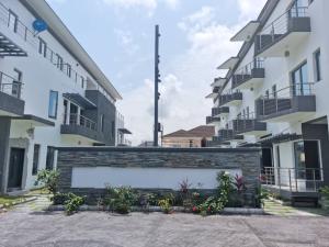 4 bedroom Terraced Duplex House for sale Oniru Lagos Island Lagos Island Lagos