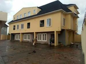4 bedroom House for sale off  C M D  ROAD  magodo  phase  2   Kosofe/Ikosi Lagos