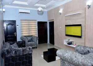 10 bedroom Detached Duplex House for sale Life camp  Life Camp Abuja