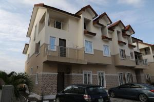 4 bedroom Semi Detached Duplex House for rent On Orchid Road chevron Lekki Lagos