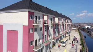 4 bedroom Massionette House for sale Yaba Lagos