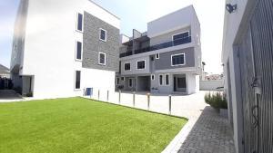 5 bedroom Terraced Duplex House for sale Lekki right  Lekki Phase 1 Lekki Lagos