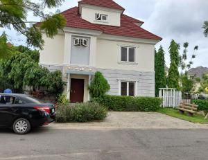 5 bedroom Detached Duplex House for rent Brains and Hammers estate Life Camp Abuja