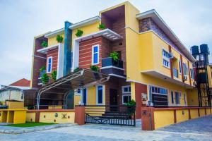 5 bedroom Self Contain Flat / Apartment for sale Beuna Vista Estate By Chevron Toll Gate Lekki, By Orchid Hotel Road Lekki Ikota Lekki Lagos
