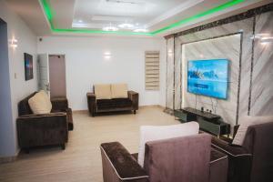 5 bedroom Terraced Duplex House for sale Hadid court by lento alluminium Jabi Abuja