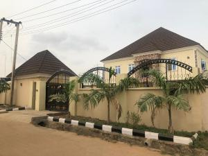 6 bedroom Terraced Duplex House for sale Compensation layout, Kutunku.  Gwagwalada Abuja