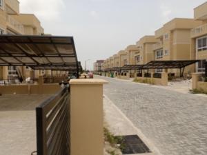 6 bedroom Flat / Apartment for rent . Osapa london Lekki Lagos