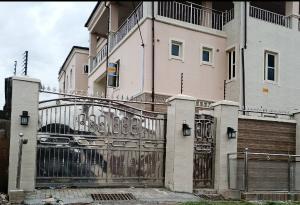 2 bedroom Flat / Apartment for rent Road 2 Ashipa near Taska Filling Station Elebu. Akala Express Ibadan Oyo