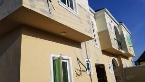 2 bedroom Flat / Apartment for sale Within an Estate  Ogunlana Surulere Lagos