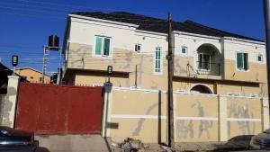 3 bedroom Flat / Apartment for sale In an Estate  Ogunlana Surulere Lagos