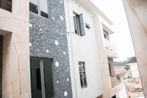 4 bedroom Terraced Duplex House for sale Ruxton Street Gerard road Ikoyi Lagos