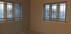 Flat / Apartment for rent kadiri street off ikorodu road, Lagos. Yaba Lagos