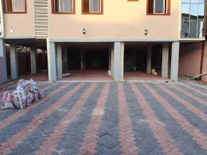 3 bedroom Flat / Apartment for rent Akinwunmi  Alagomeji Yaba Lagos