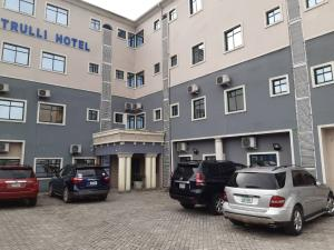 10 bedroom Hotel/Guest House Commercial Property for sale Stadium road Elekahia New GRA Port Harcourt Rivers