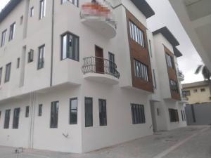3 bedroom Flat / Apartment for rent Ikeja Adeniji jones. Lagos Mainland Adeniyi Jones Ikeja Lagos