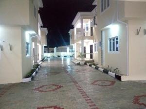 2 bedroom Penthouse Flat / Apartment for rent Felele extension, just 5 minitues drive to Express Soka Ibadan Oyo