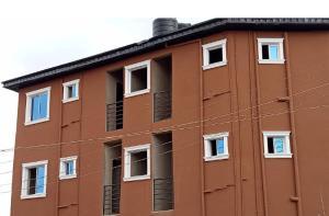 Self Contain Flat / Apartment for rent Sholanke  Akoka Yaba Lagos