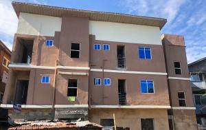 1 bedroom Self Contain for rent Jibowu Yaba Lagos