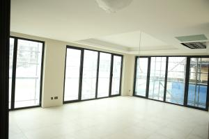 1 bedroom mini flat  Studio Apartment Flat / Apartment for sale Ring Road Bourdillon Ikoyi Lagos