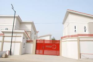 3 bedroom Semi Detached Duplex House for rent Bush street Mende Maryland Lagos