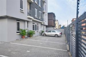 2 bedroom Flat / Apartment for sale Onike Yaba Lagos