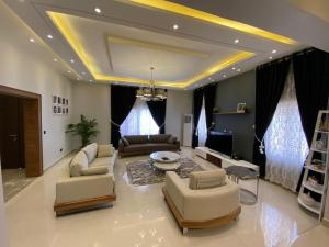 4 bedroom Self Contain Flat / Apartment for shortlet ... Lugbe Abuja
