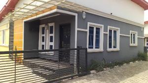 3 bedroom Semi Detached Bungalow House for sale Loto Mowe Obafemi Owode Ogun