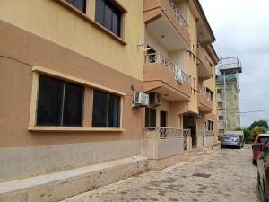 3 bedroom Flat / Apartment for rent Located along vio office Mabushi Abuja