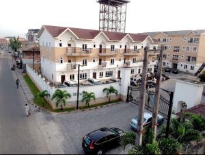 3 bedroom Flat / Apartment for sale Jacob Mews Estate, Alagomeji  Alagomeji Yaba Lagos