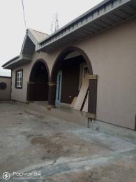 3 bedroom Blocks of Flats House for rent Airport second gate, kascko area Alakia Ibadan Oyo