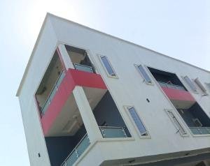 2 bedroom Flat / Apartment for sale Serene and Secure Estate with Uniform Guards Agungi Lekki Lagos