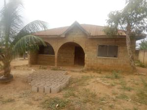 3 bedroom Detached Bungalow House for sale progressive area, odo ona kekere off Podo-Ijebu road Odo ona Ibadan Oyo