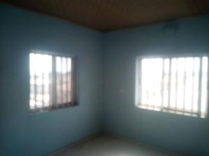 2 bedroom Blocks of Flats House for rent Buffalo close to Adetoku In Ologuneru  Eleyele Ibadan Oyo