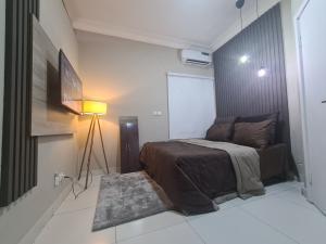 1 bedroom Mini flat for shortlet Beside Brass And Copper (off Admiralty) Lekki Phase 1 Lekki Lagos