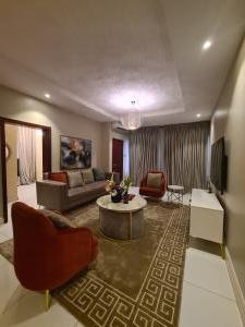 2 bedroom Self Contain for shortlet Beside Ebeano Supermarket (admiralty) Lekki Phase 1 Lekki Lagos