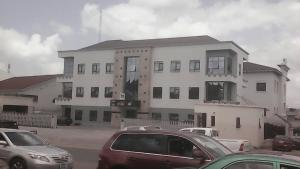 Office Space Commercial Property for rent Adetokunbo Ademola Crescent, Wuse II Wuse 2 Phase 1 Abuja
