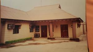 4 bedroom Office Space Commercial Property for sale Owode Onirin Brt Bus Stop Beside Simply The Best, Ikorodu Ikorodu Lagos