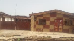 6 bedroom House for sale No. 1Tina junction opposite Strm Plaza Jos North Plateau