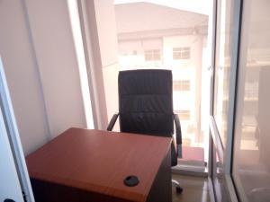 Desk Co working space for rent Lekki-Epe Expressway Igbo-efon Lekki Lagos