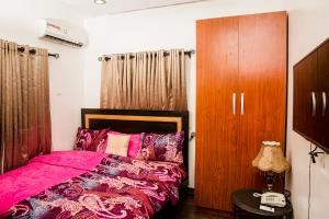 4 bedroom Flat / Apartment for shortlet Allan balogun agungi, after Domino Pizza Lekki Phase 2 Lekki Lagos