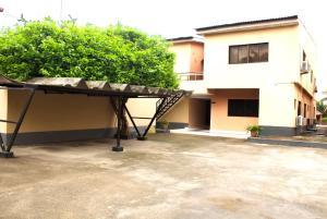 10 bedroom Semi Detached Duplex House for shortlet Ligali Ayorinde Victoria Island Lagos