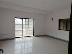 3 bedroom Flat / Apartment for rent off king george road Onikan Lagos Island Lagos