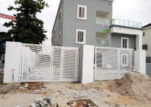3 bedroom Blocks of Flats House for sale Atlantic View Estate, Alhpa Beach Road chevron Lekki Lagos
