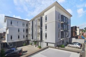 2 bedroom Blocks of Flats for sale Johnson Street Onike Yaba Lagos