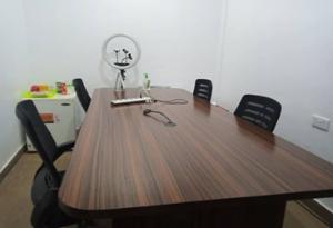 Workstation for rent Hfp Complex, Abraham Adesanya Roundabout Ajah Lagos
