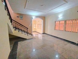5 bedroom House for rent d Magodo Kosofe/Ikosi Lagos