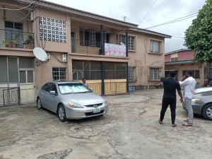 3 bedroom Flat / Apartment for rent Street Off Bodethomas Central Surulere Bode Thomas Surulere Lagos