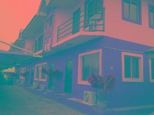 3 bedroom Flat / Apartment for rent 2 Saka Oluguna Orile Maroko, Off Mobil Estate Rd. Ilaje Before Ajah Lekki. No Agency Fees Diret From The Landlord! Ilaje Lagos