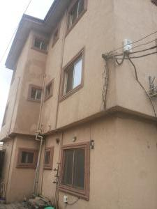 2 bedroom Blocks of Flats House for rent Off irebawa road Ajayi road Ogba Lagos