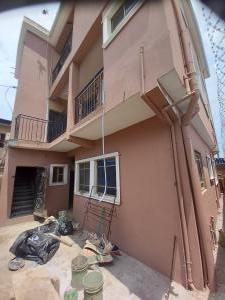 1 bedroom Mini flat for rent Close To Onipan Shomolu Shomolu Lagos